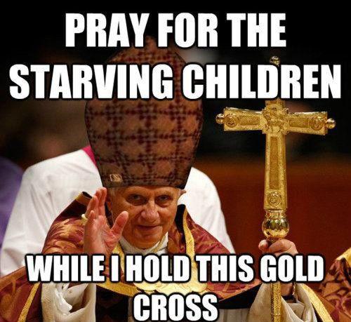 Bidden voor de hongerigen met een gouden kruis.