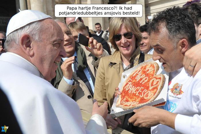 Paus Franciscus zei onlangs in een openhartig interview, dat hij het mist om rustig een pizza te kunnen eten, want pizza bestellen in het Vaticaan is toch niet helemaal hetzelfde.