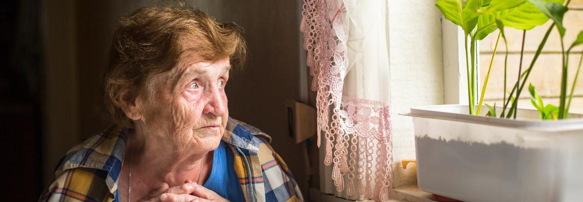 Eenzame oude vrouw